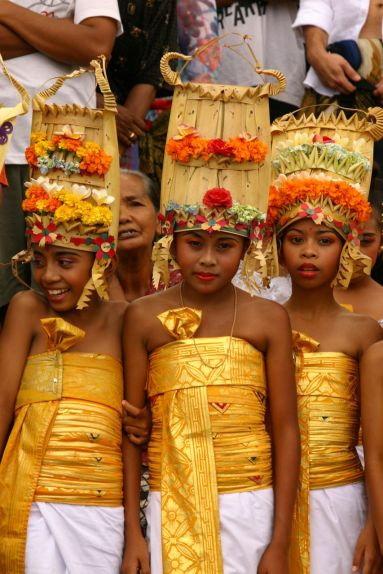 balinese-children-cremation-ceremony